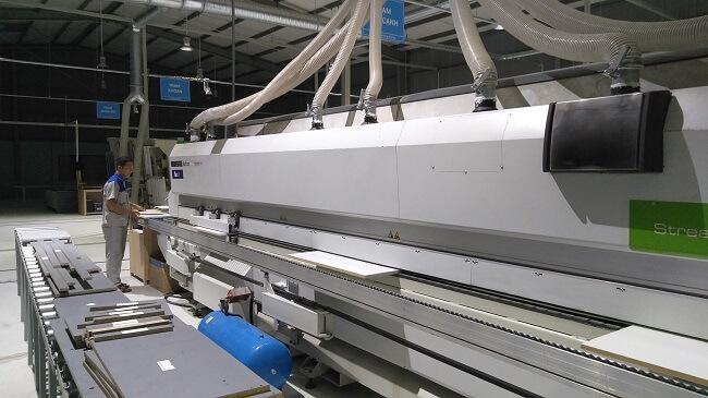Ván gỗ REHAU được gia công tại nhà máy Flexfit