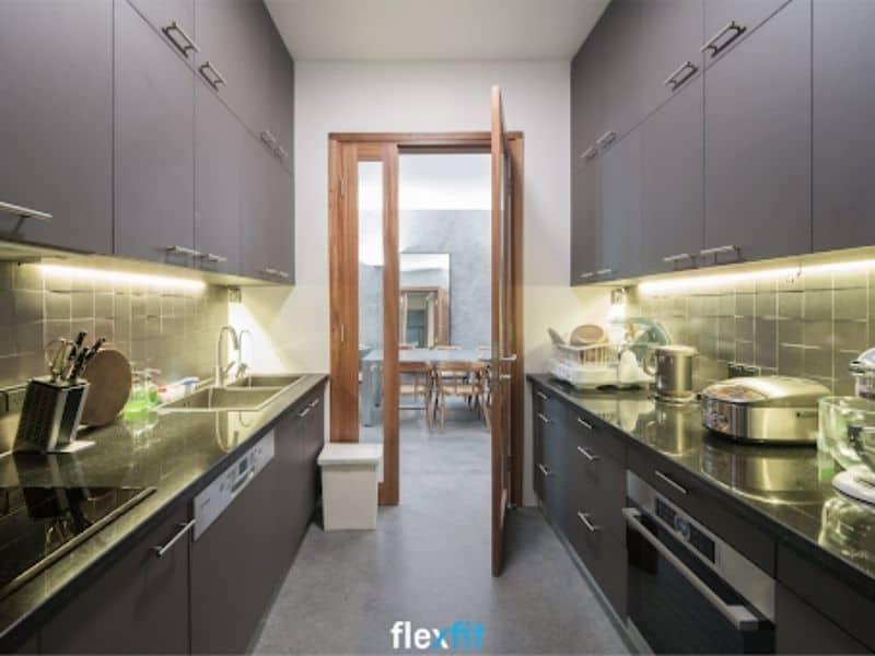 Tủ bếp song song - sự lựa chọn hoàn hảo giúp tối ưu không gian