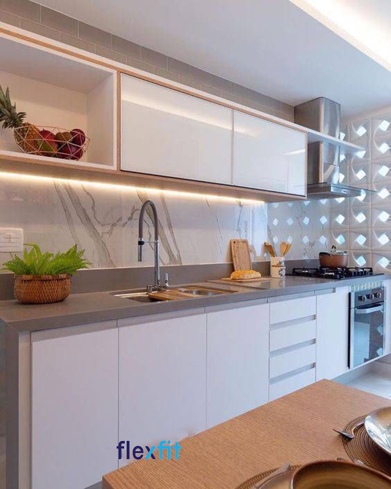 Mẫu tủ bếp chữ i gỗ công nghiệp MDF phủ Acrylic sáng bóng tạo chiều sâu cho gian bếp