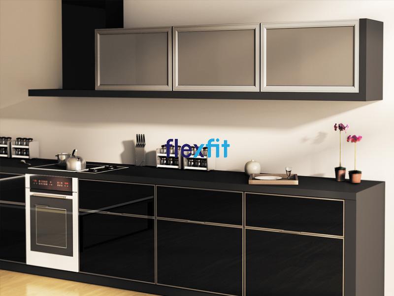Mẫu tủ bếp chữ i nhôm kính màu đen sang trọng