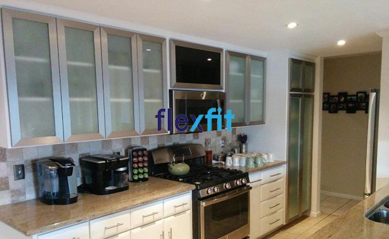 Tủ bếp chứ i nhôm kính phù hợp cho không gian nhà nhỏ