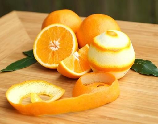 Vỏ cam có tác dụng khử mùi hôi trong nhà bếp một cách hiệu quả, mang đến mùi thơm dễ chịu cho phòng bếp