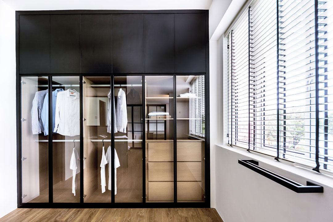 Mẫu tủ quần áo âm tường cánh kính là sự lựa chọn của những ai muốn phô diễn gu thời trang tinh tế.
