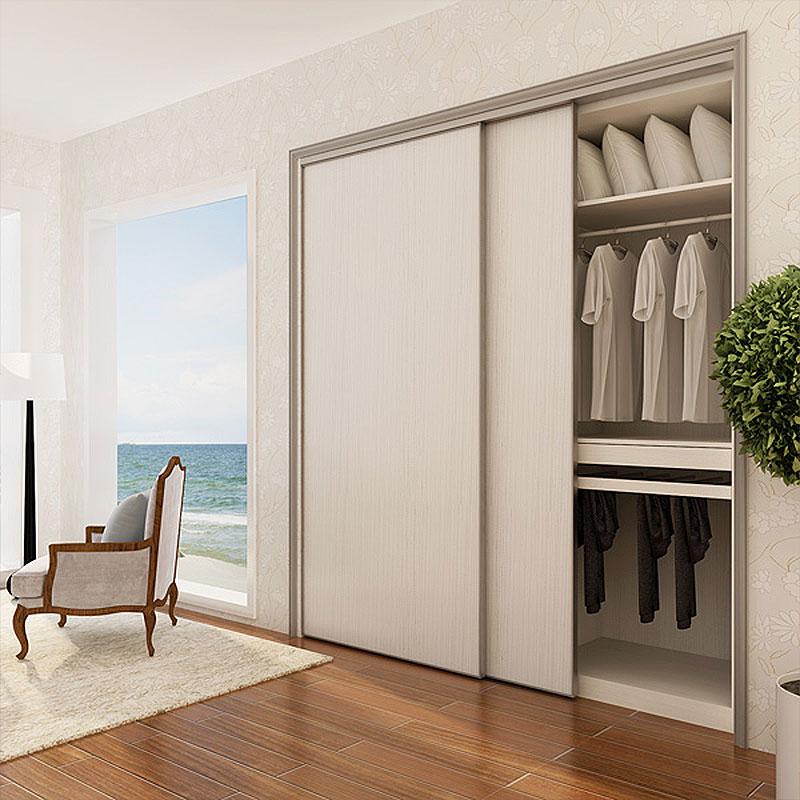 Lựa chọn và thiết kế tủ âm tường có màu sắc hài hòa, phù hợp với màu sắc không gian chung để căn phòng trở nên hoàn thiện, đồng bộ và bắt mắt hơn. Màu trắng cũng là gam màu chủ đạo được nhiều gia đình lựa chọn.