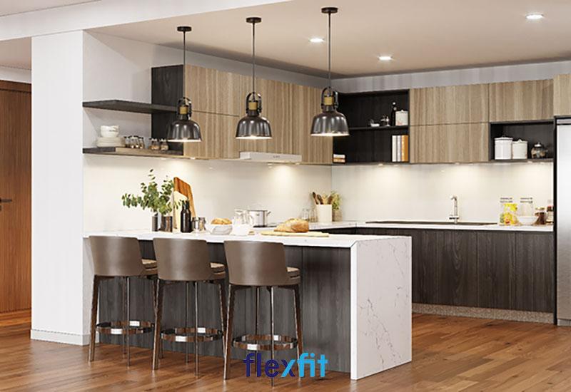 Mẫu tủ bếp chữ I được làm từ chất liệu gỗ MDF cao cấp phủ lớp Melamine giúp bề mặt có khả năng chống nấm mốc, chống thấm cực tốt. Thiết kế màu gỗ thanh lịch cũng là một điểm cộng cho sản phẩm này.