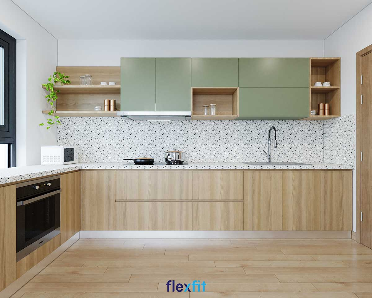 Tủ bếp chữ L màu xanh nhạt và nâu gỗ cho diện tích 12m2