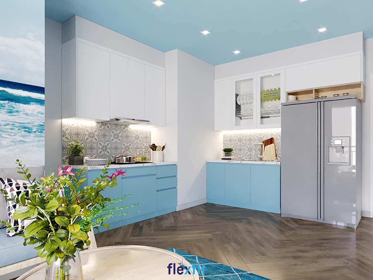Tủ bếp chữ L màu trắng và xanh da trời nhã nhặn