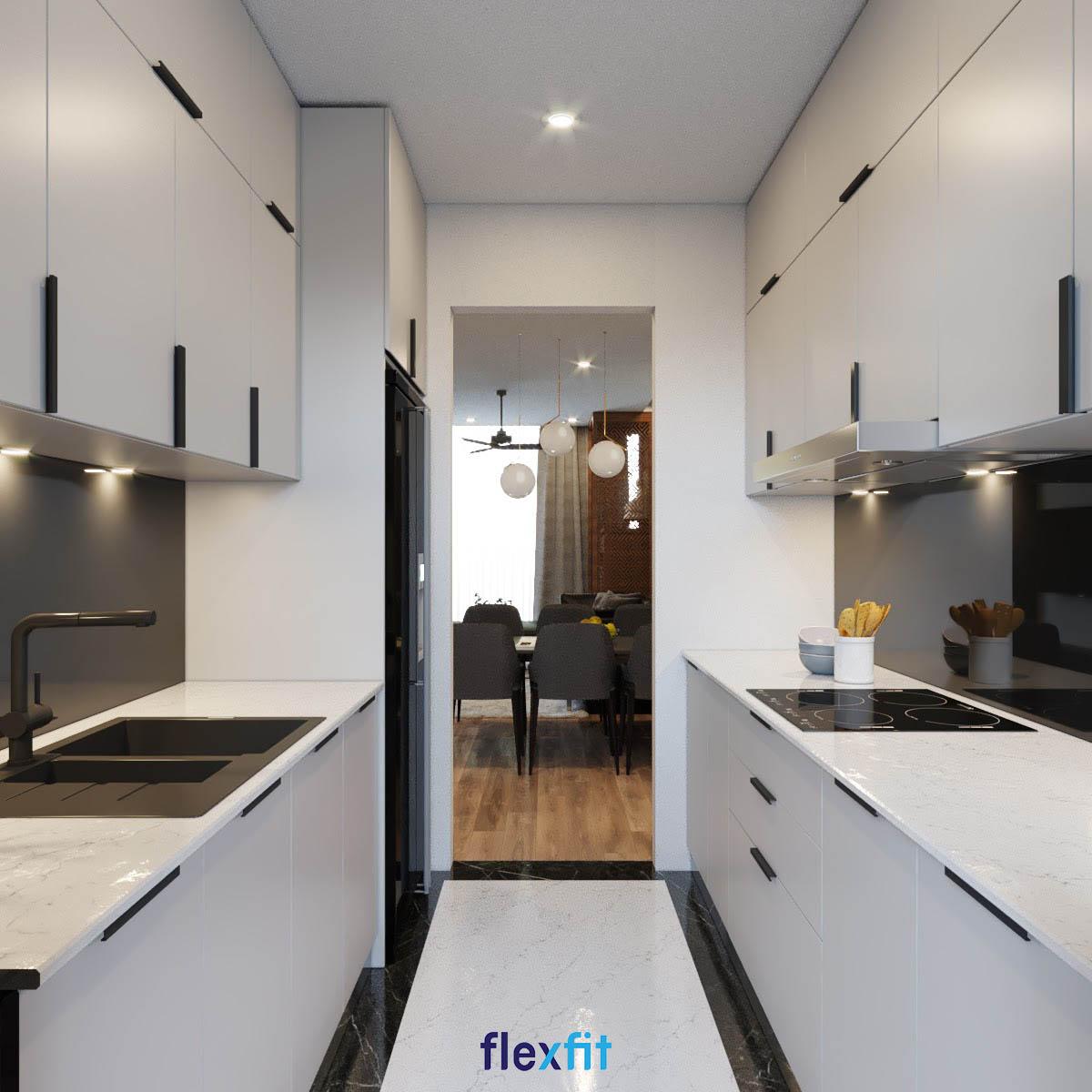 Tủ bếp đặt song song màu trắng trong diện tích 12m2