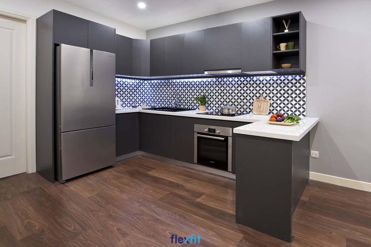 Tủ bếp phủ Melamine chữ U màu ghi đen sang trọng