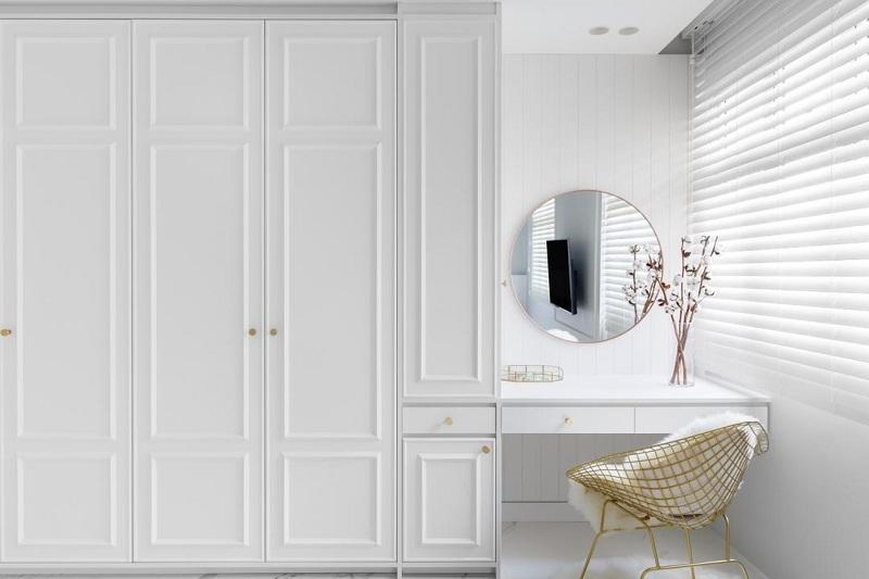 Tùy theo diện tích lớn hay nhỏ mà bạn lựa chọn kích thước tủ quần áo kết hợp bàn trang điểm cho phù hợp