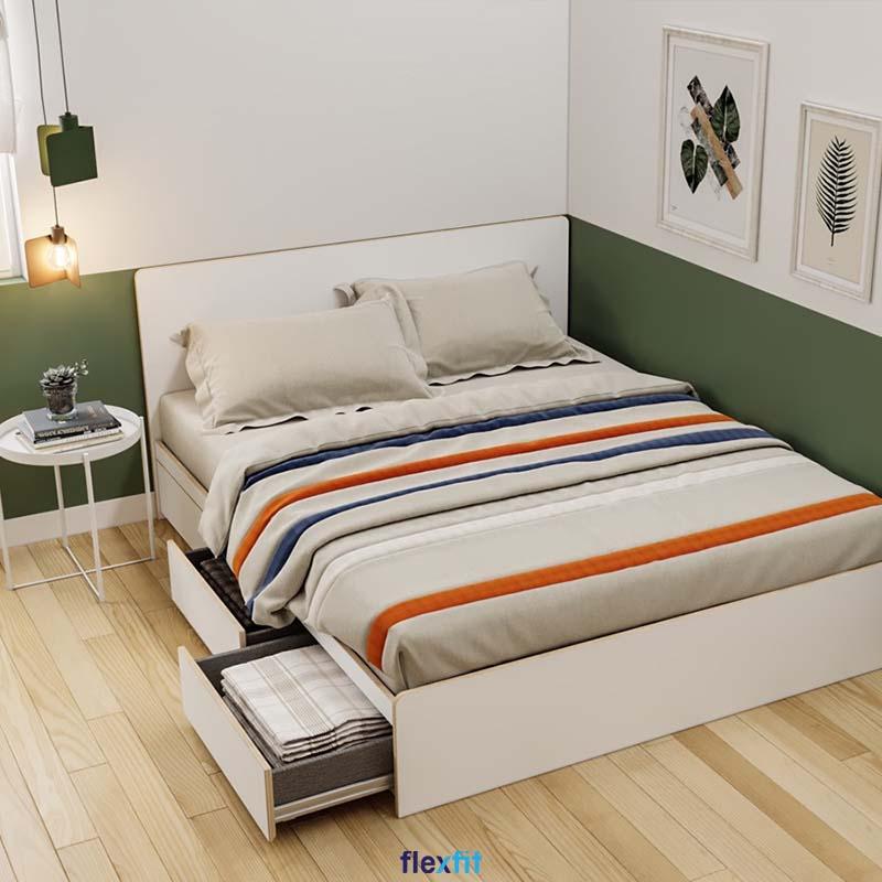 Giường gỗ công nghiệp thiết kế đơn giản nhưng đã được gấp đôi công năng với thiết kế ngăn kéo tủ ở cạnh bên.