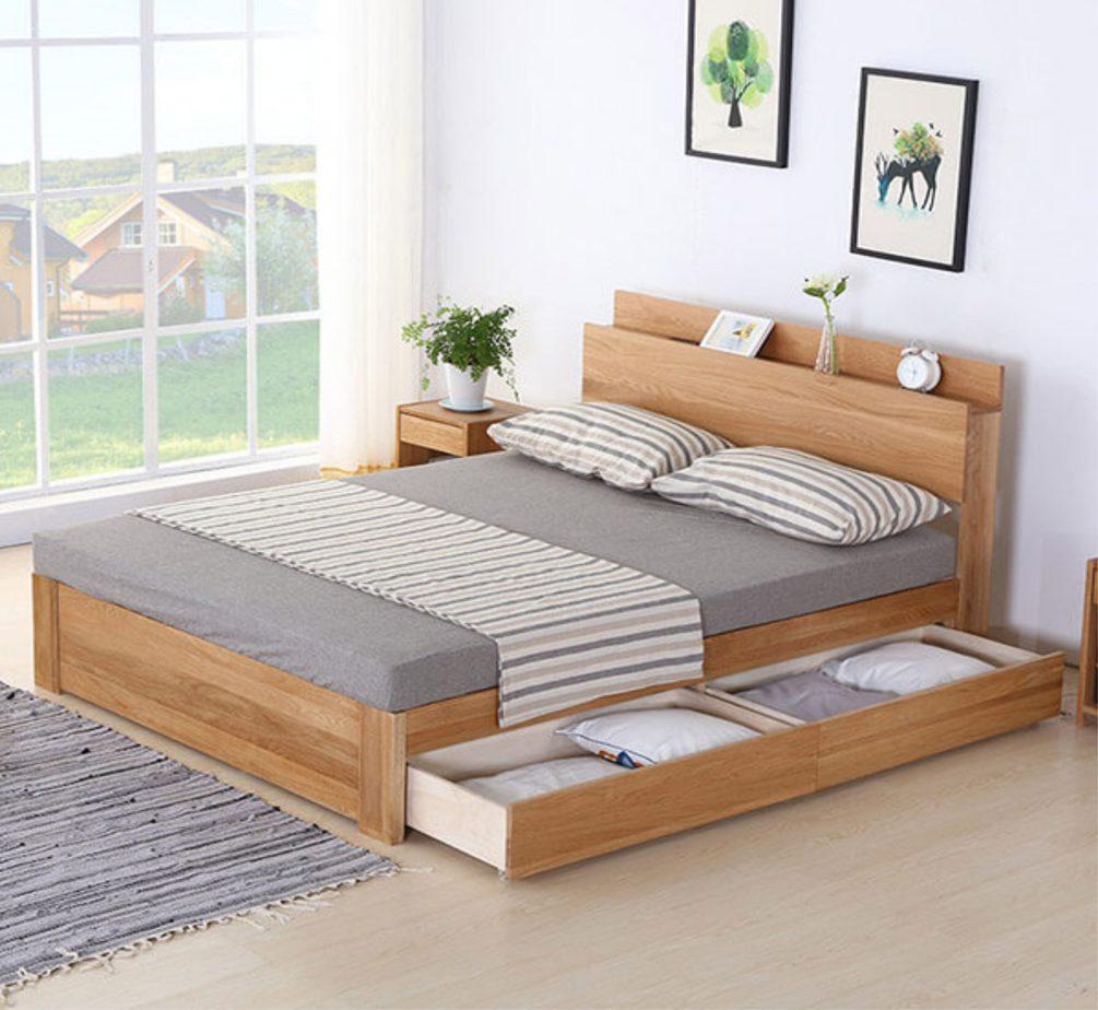 Mẫu giường MDF đa năng, tích hợp ngăn kéo tiện lợi kéo ra đẩy vào gọn gàng. Do vậy, mẫu giường này rất phù hợp với những không gian phòng ngủ nhỏ.