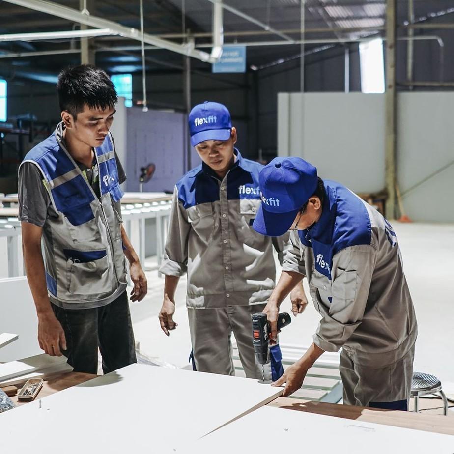 Gỗ MDF có cấu tạo từ bột sợi gỗ nên dễ dàng trong quá trình khoan cắt, thi công mà không sợ bị nứt vỡ như gỗ tự nhiên