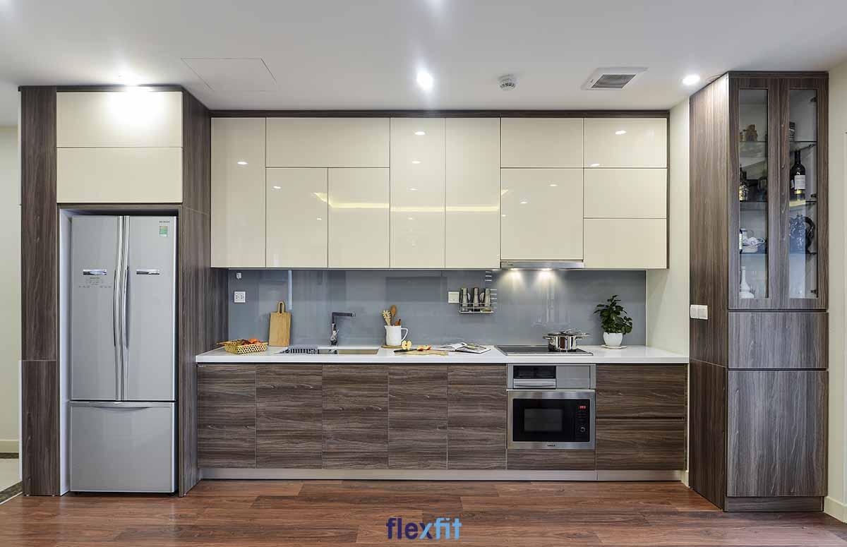 Tủ bếp Acrylic màu be cùng nâu vân gỗ trang nhã