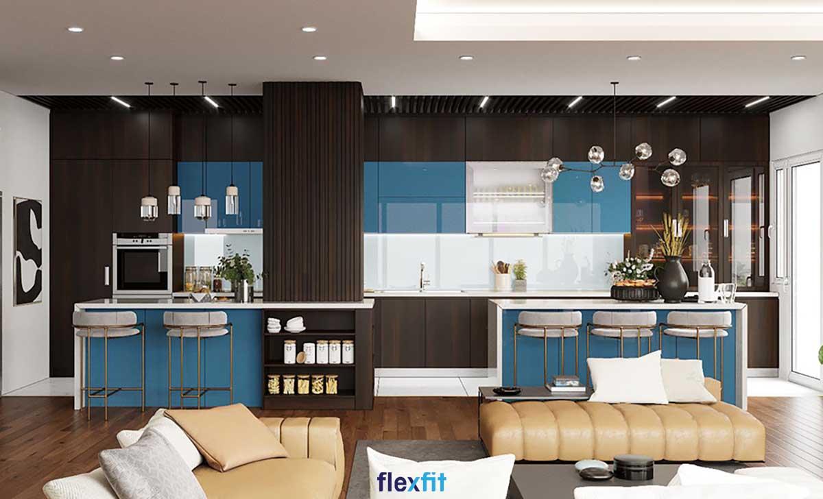 Tủ bếp màu xanh dương - nâu trầm có đảo bếp và quầy bar