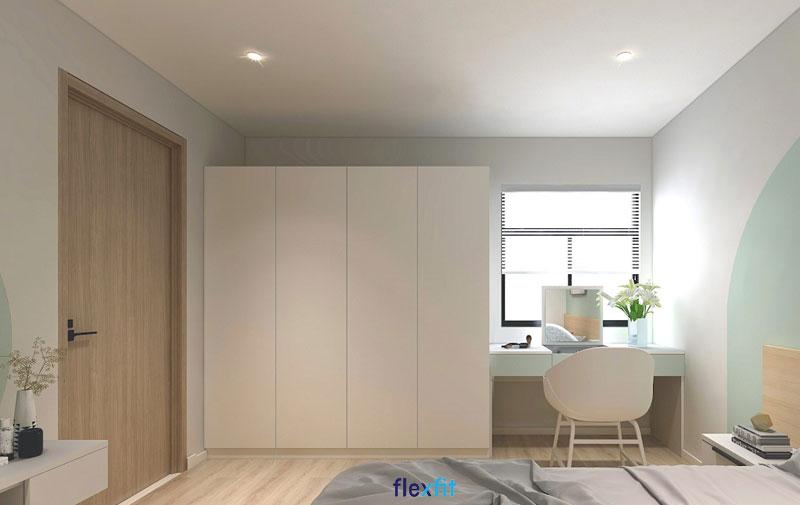 Mẫu tủ quần áo 4 cánh đặt vừa vặn trong không gian phòng ngủ diện tích rộng, tạo nên sự hài hòa, dễ chịu. Bên cạnh đó, gam màu trắng thanh lịch góp phần mang lại vẻ đẹp đơn giản nhưng vô cùng tinh tế cho căn phòng.