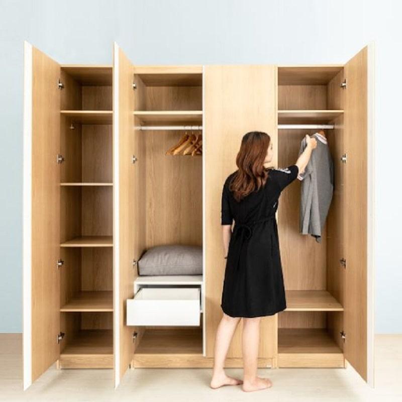 Tủ quần áo 4 buồng cho bạn không gian lưu trữ lớn, thoải mái cất giữ, sắp xếp quần áo, đồ đạc