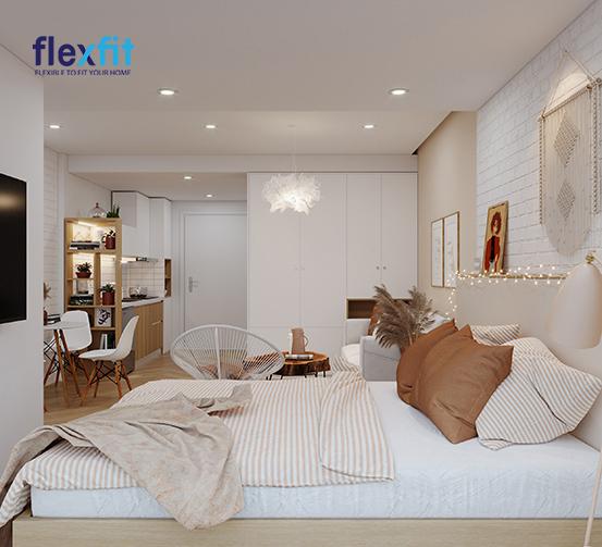 Tủ quần áo thiết kế 4 cánh mở thiết kế kịch trần kết hợp tông màu trắng đem lại sự hài hòa về tổng thể. Mẫu tủ này được làm từ chất liệu MDF phủ Acrylic sáng bóng, mang đến vẻ đẹp sang trọng, hiện đại.