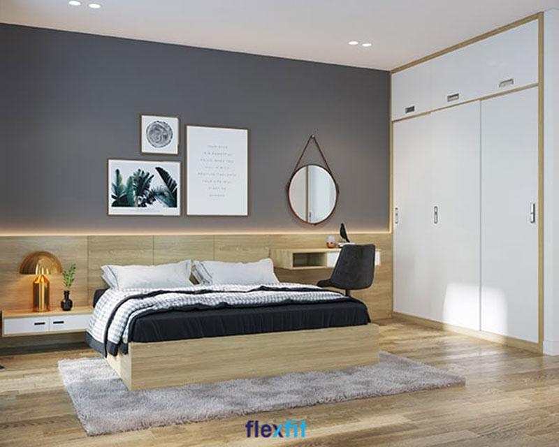 Tab đầu giường, đèn bàn kim loại sáng bóng, bàn trang điểm nhỏ xinh, một vài bức tranh treo tường và gương tròn nhỏ sẽ là những điểm nhấn xinh xắn, dễ thương và tiện dụng giúp căn phòng khách nhỏ giàu sức hút hơn