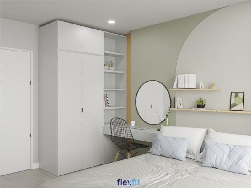 Tủ quần áo 2 cánh tích hợp kệ trang trí thiết kế kịch trần gia tăng khả năng lưu trữ. Tông màu trắng đồng bộ với màu các nội thất khác trong phòng tạo nên vẻ đẹp sang trọng và tạo sự dễ chịu cho chủ nhân.