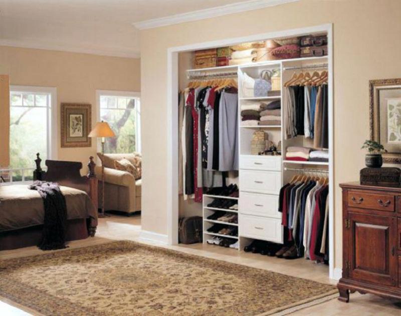Mẫu tủ quần áo âm tường không cánh độc đáo tạo nên sự cá tính, thu hút cho căn phòng. Đồng thời giúp tiết kiệm không gian phòng ngủ một cách hiệu quả.