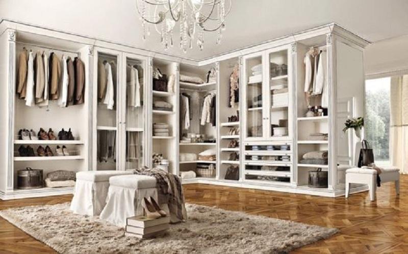 Mẫu tủ quần áo không cánh trắng sang chảnh thiết kế chữ L. Tủ được tích hợp cả những ngăn chứa có cửa kính cao cấp mang lại sự ấn tượng, độc đáo.