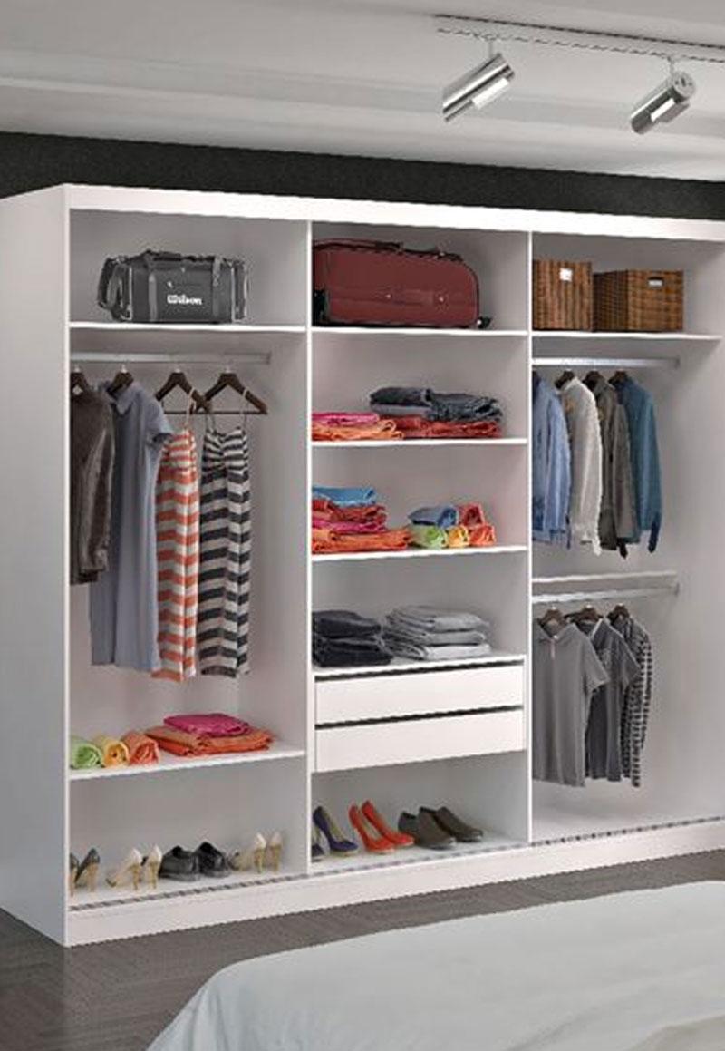 Tủ quần áo không cánh cốt gỗ MDF được phủ Acrylic màu trắng cùng thiết kế nhiều ngăn chứa tiện dụng giúp bạn có thể sắp xếp quần áo, giày dép, giấy tờ một cách ngăn nắp, khoa học.