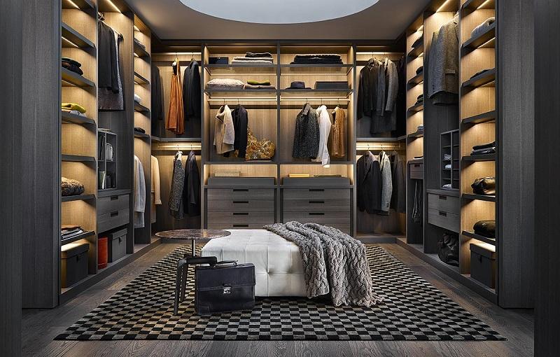 Không gian trở nên huyền bí, đẳng cấp hơn rất nhiều nhờ thiết kế ấn tượng, sáng tạo của mẫu tủ quần áo không cánh này. Bên trong các ngăn được thiết kế đèn vàng giúp bạn dễ dàng lựa chọn được món đồ khi cần thiết.