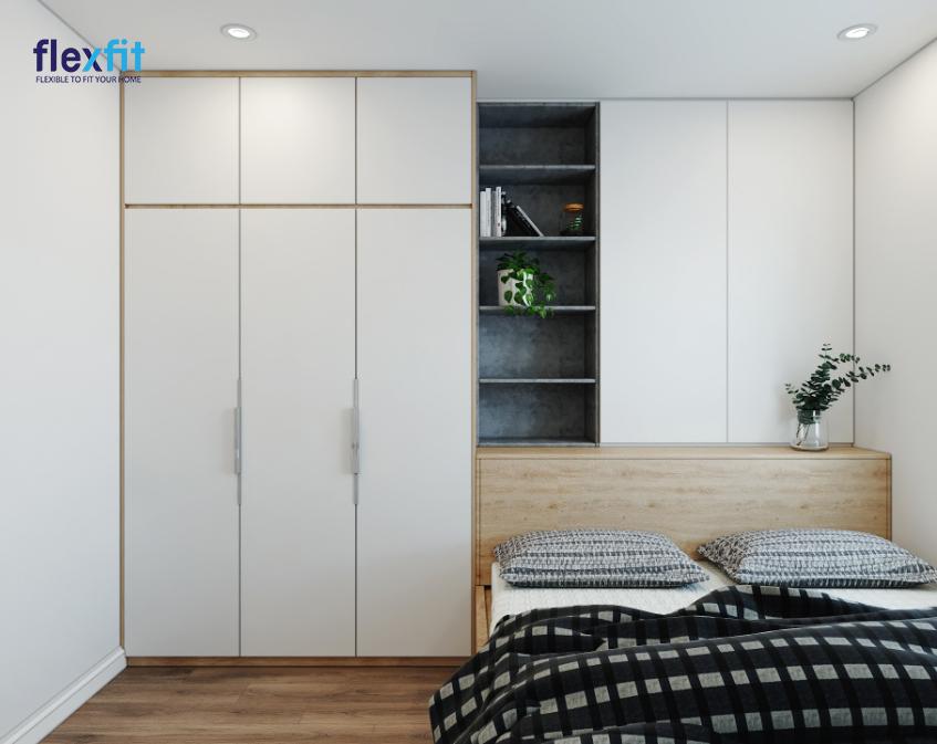 Tủ quần áo 3m lõi MDF phủ Melamine màu trắng nhấn nâu vân gỗ sáng được kết nối với kệ trang trí, tủ để đồ, giường ngủ thành một khối đồng nhất, đa năng, tiện dụng và có điểm nhấn sáng tạo