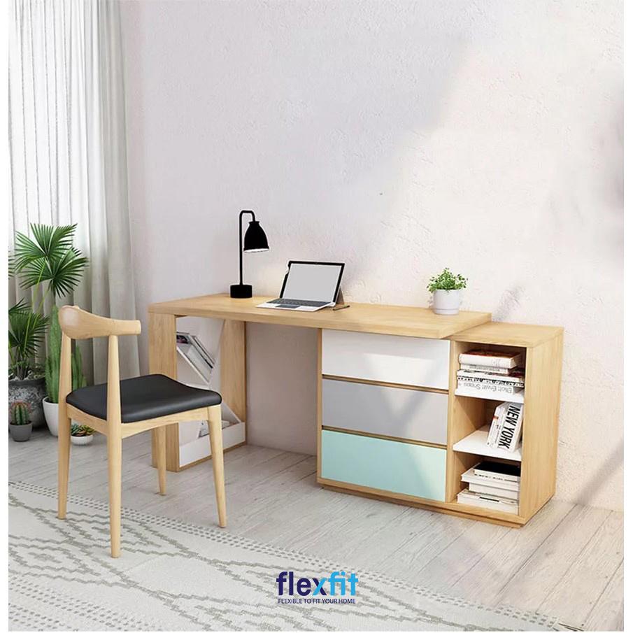 Chiếc bàn làm việc này tuy chiều rộng ngắn nhưng bù lại chiều dài lớn vẫn tạo ra không gian làm việc thoải mái. Bên cạnh đó, bàn được thiết kế thêm các ngăn kéo tủ sơn ba màu độc đáo, mới mẻ và ô tủ tăng khả năng lưu trữ.