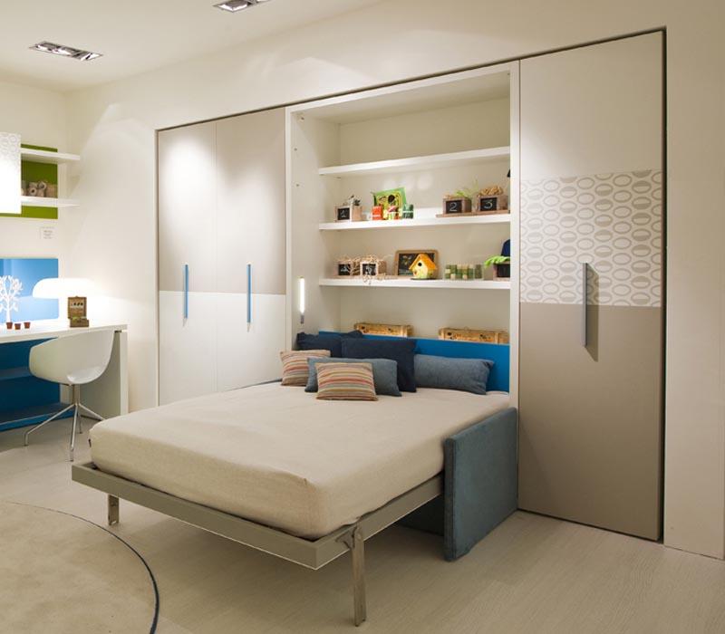 Mẫu giường ngủ âm tường thiết kế đẹp, phù hợp với các bé. Đầu giường là kệ trang trí rộng rãi cho phép bạn đặt để nhiều đồ trang trí, lưu niệm mình yêu thích.