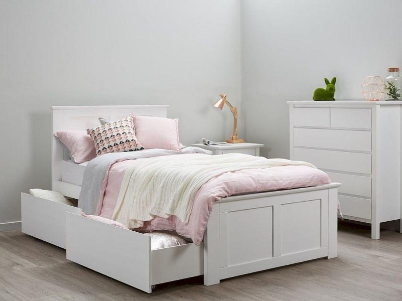Mẫu giường đơn gỗ công nghiệp thiết kế hai ngăn kéo đựng đồ phủ một màu trắng thanh lịch này đặt trong phòng bé sẽ là lựa chọn hoàn hảo.