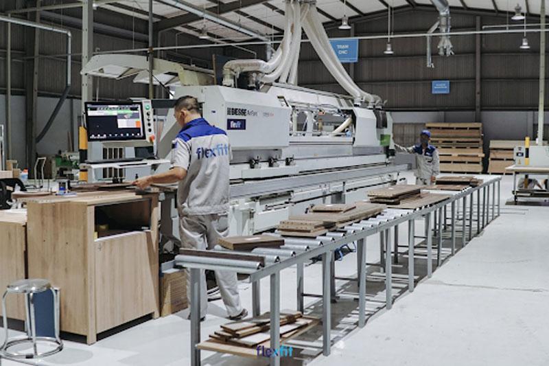 Nhà máy sản xuất của Flexfit được đầu tư máy móc hiện đại, vận hành theo công nghệ tiên tiến