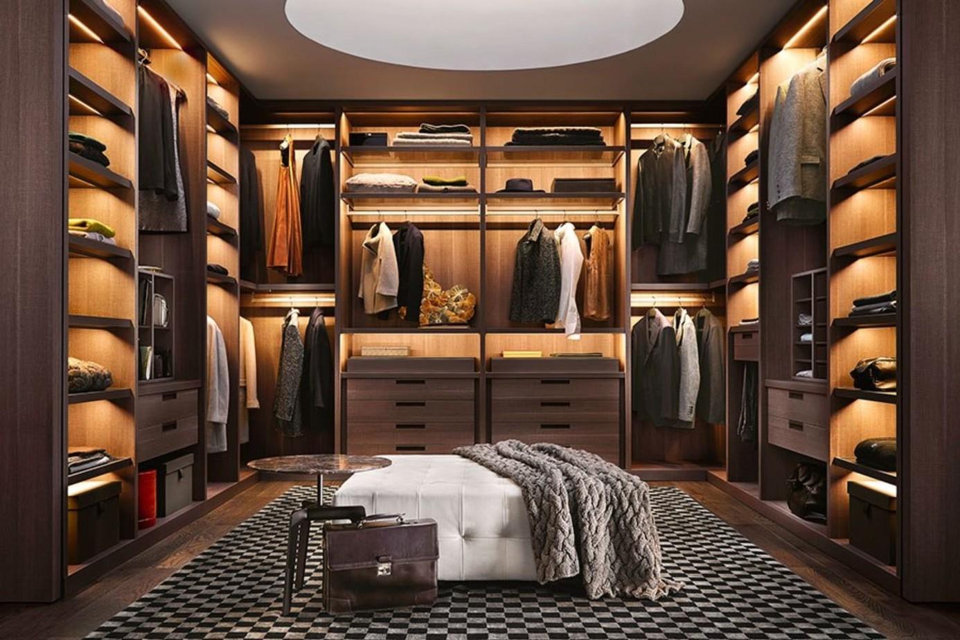 Dường như căn phòng của bạn trở thành một shop thời trang sang trọng nhờ thiết kế tủ chữ U màu vân gỗ độc đáo. Các ngăn chứa cũng được thiết kế và sắp xếp một cách tài tình mang đến sự hòa hợp hoàn mỹ.