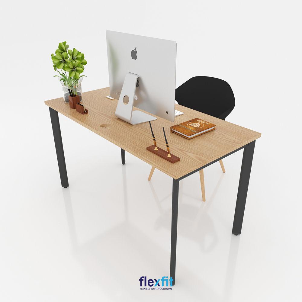 Bàn làm việc thiết kế chân chữ U kích thước 60cm x 140cm thiết kế đơn giản sử dụng được cho các văn phòng hay không gian làm việc tại nhà.