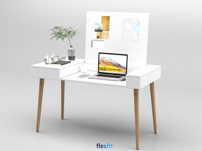 Đây là mẫu bàn làm việc được thiết kế nhỏ gọn, tiện lợi, ngăn chứa âm bàn với chất liệu lõi MFC phủ Melamine chắc chắn. Màu nâu vân gỗ trầm kích thước 60cm x 120cm giúp không gian phòng làm việc trở nên sang trọng và nổi bật.