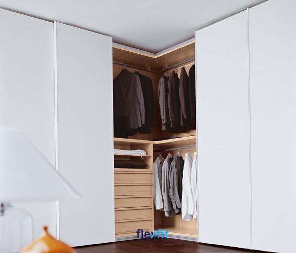 Tủ quần áo chữ L cánh lùa cùng thiết kế bên trong thông minh giúp bạn lưu trữ đồ khoa học, bảo quản quần áo tốt nhất.