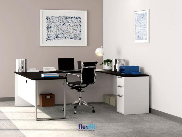 Mẫu bàn làm việc chữ U có thể giúp bạn tạo nên một không gian làm việc tiện lợi, tăng sự tập trung