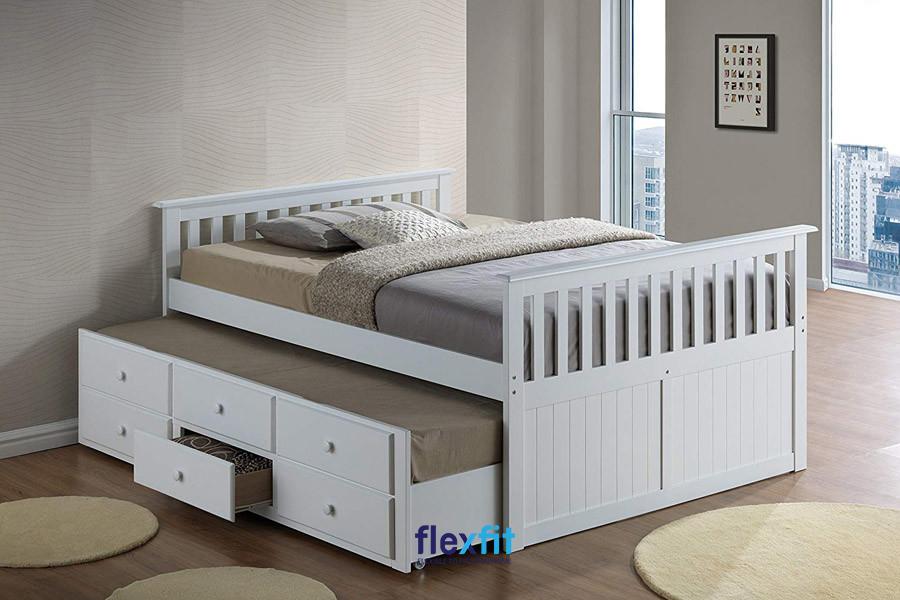 Chân giường và đầu giường được làm cách điệu mang lại vẻ đẹp phá cách, độc đáo cho sản phẩm.