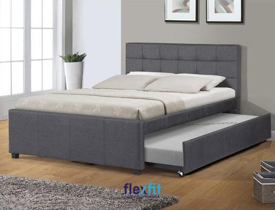 Tông màu ghi đậm giúp mang lại vẻ đẹp ấm cúng, đầy thư giãn cho căn phòng ngủ của gia đình bạn.