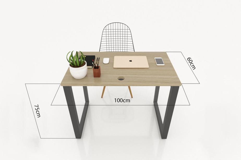 Bàn làm việc hình chữ nhật là kiểu bàn phổ biến được sử dụng nhiều nhất hiện nay.