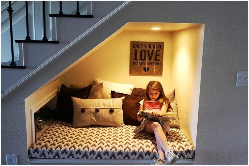 Sáng tạo không gian sống của bạn với thiết kế phòng ngủ dưới cầu thang