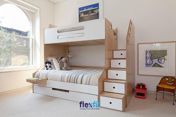 Giường tầng được thiết kế với hệ thống các bậc thang vô cùng an toàn, chắc chắn cùng ngăn chứa đồ rộng rãi mang lại vẻ đẹp hiện đại, tiện lợi.