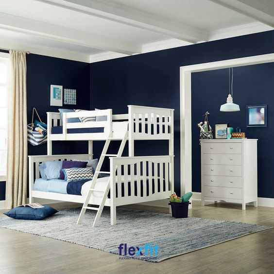Với những căn phòng có diện tích hạn chế thì một thiết kế giường tầng đơn giản, nhỏ gọn như này sẽ giúp bạn tối ưu không gian một cách hiệu quả.