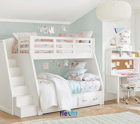 Nổi bật với thiết kế màu trắng cùng chiếc cầu thang nhỏ gọn, chắc chắn giúp chiếc giường trở thành điểm nhấn nổi bật trong căn phòng.