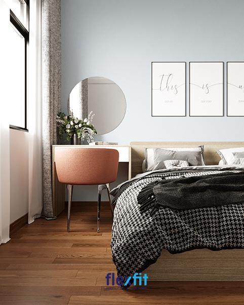 Mẫu nội thất phòng ngủ này tập trung vào sự ấm áp và đơn giản với thiết kế hứng trọn toàn bộ ánh sáng vào căn phòng sẽ khiến căn phòng của bạn trở nên ấm cúng hơn.