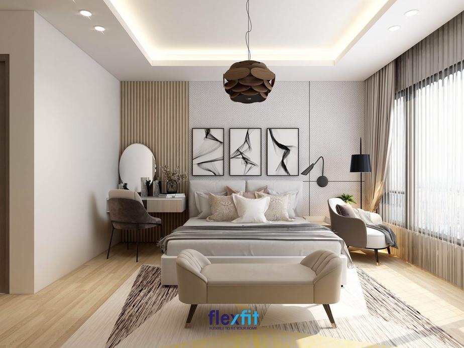 Bạn có thể sử dụng thêm ghế băng cuối giường hoặc ghế thư giãn cho căn phòng trông sẽ rất hiện đại, tiện nghi. Điểm nhấn của căn phòng chính là bộ 3 bức tranh treo đầu giường và đèn trần hình quả thông độc đáo