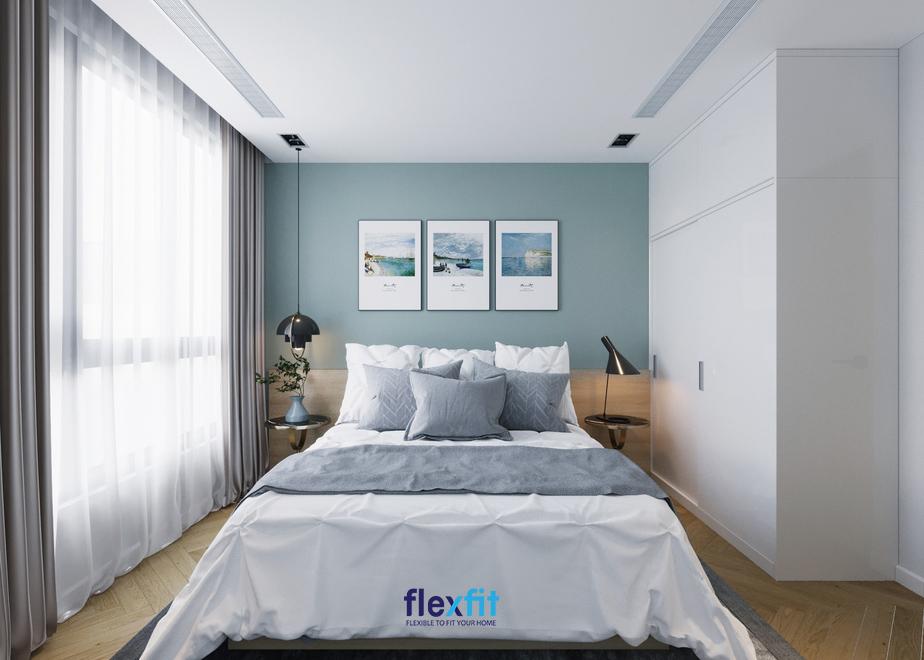 """Dù khá đơn giản nhưng căn phòng vẫn mang lại một vẻ đẹp rất """"thơ"""" nhờ việc phối hợp màu sắc cũng như sử dụng thông minh các đồ nội thất trang trí trong phòng"""
