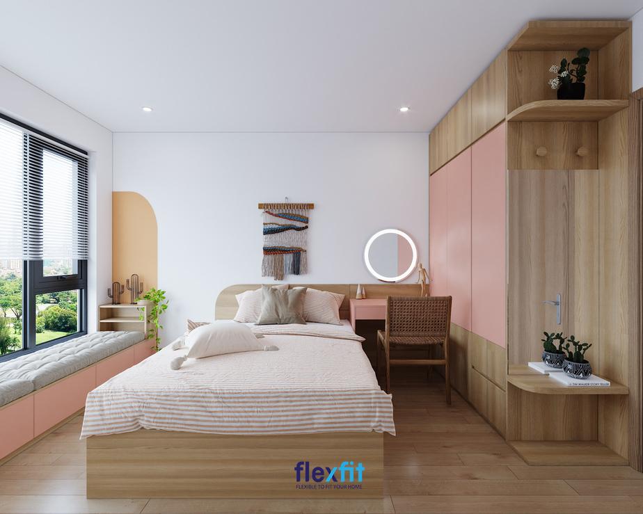 Căn phòng ngủ có diện tích khá hạn chế nhưng đã tận dụng được ánh sáng tự nhiên một cách tối đa giúp không gian căn phòng trở nên rộng và thoáng hơn