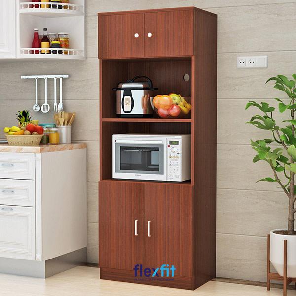 Tủ gỗ sở hữu những đường vân và màu cánh gián bắt mắt mang lại vẻ đẹp sang trọng cho mọi căn bếp